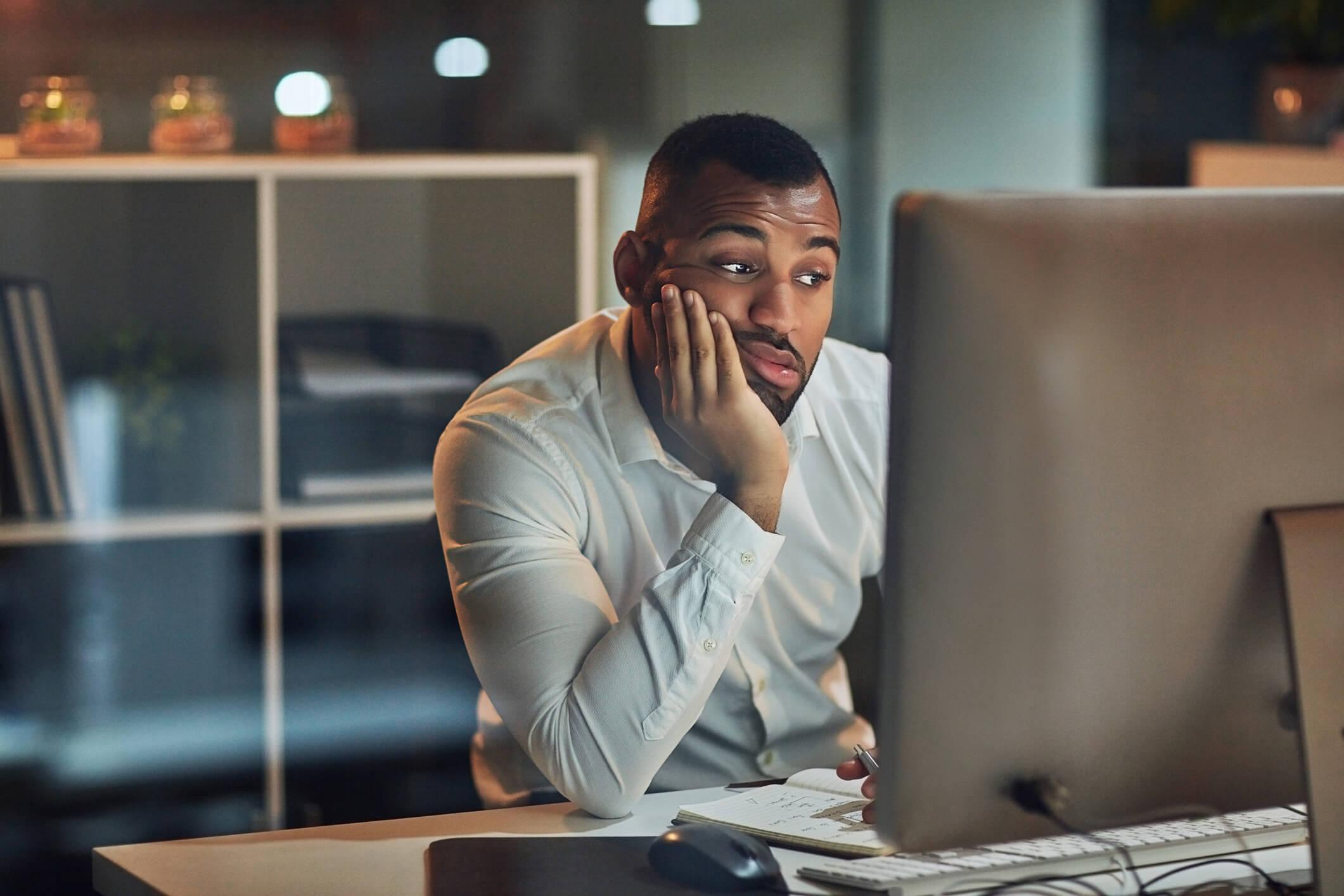 desmotivacao-dos-millennials-no-trabalho-quais-sao-as-causas-e-como-lidar.jpeg