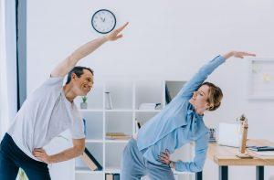 Como combater o sedentarismo e a obesidade no trabalho