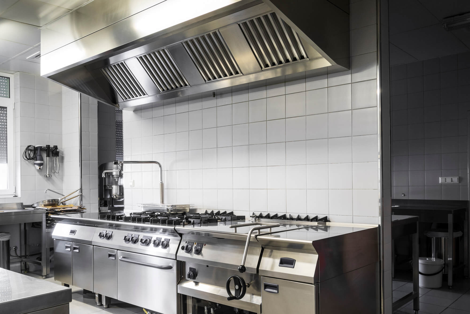 Riscos na cozinha industrial: entenda como exigir a qualidade de seu fornecedor