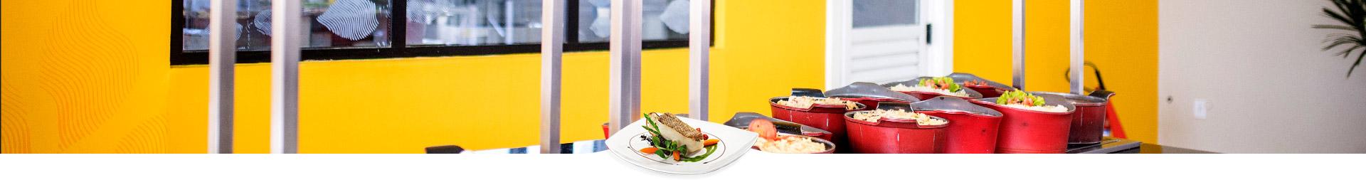Qual a importância do cardápio regional em restaurante corporativo?
