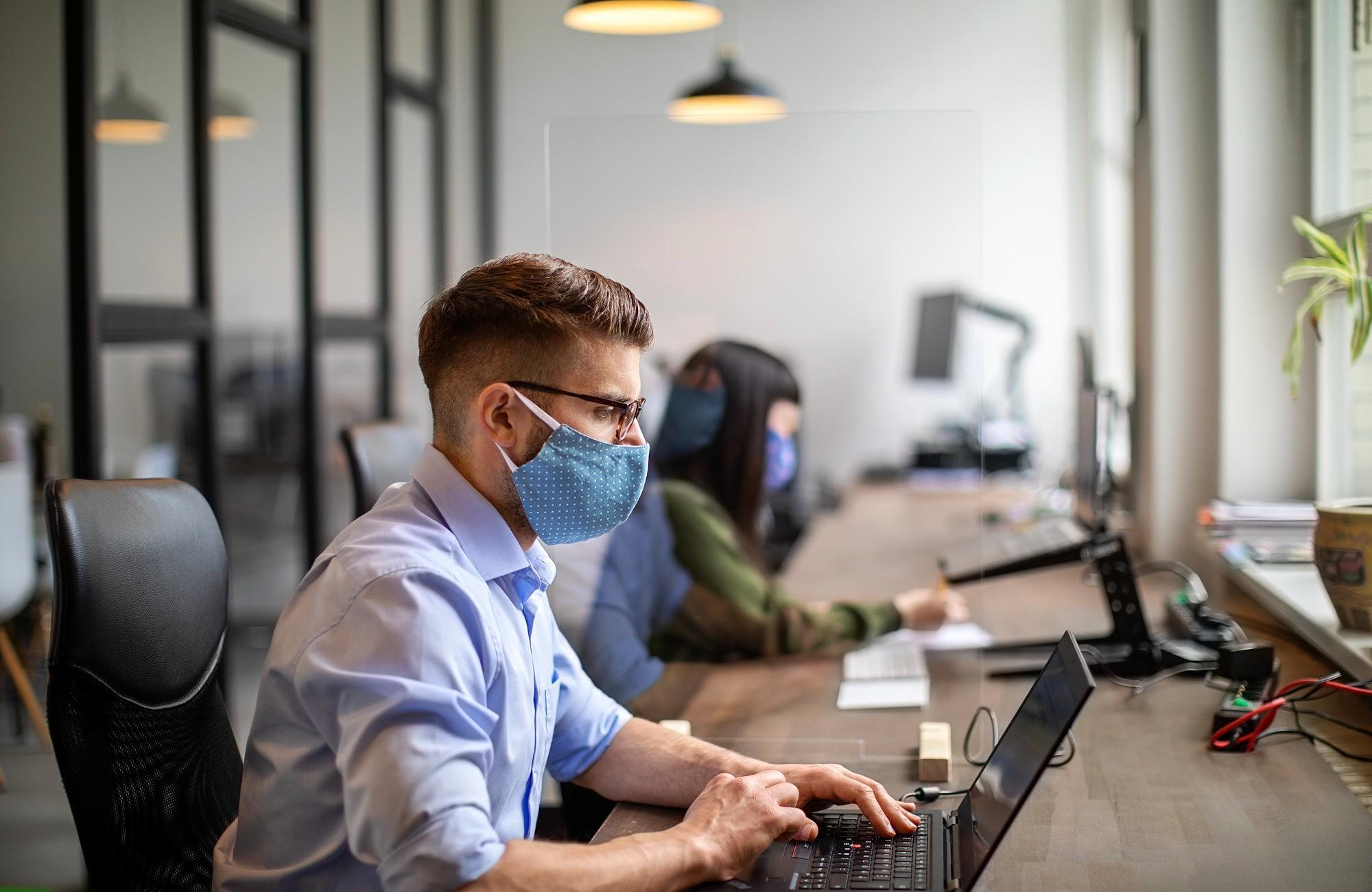 Como prevenir o contágio de coronavírus nas empresas?