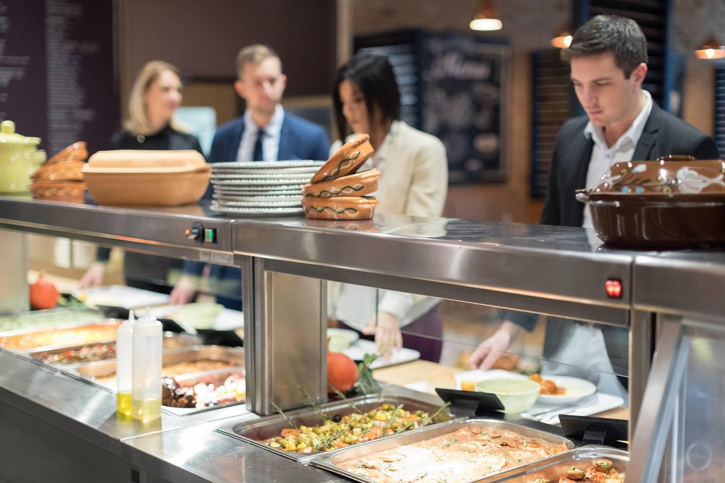 Restaurante na empresa: por que contratar uma consultoria antes de implementar?