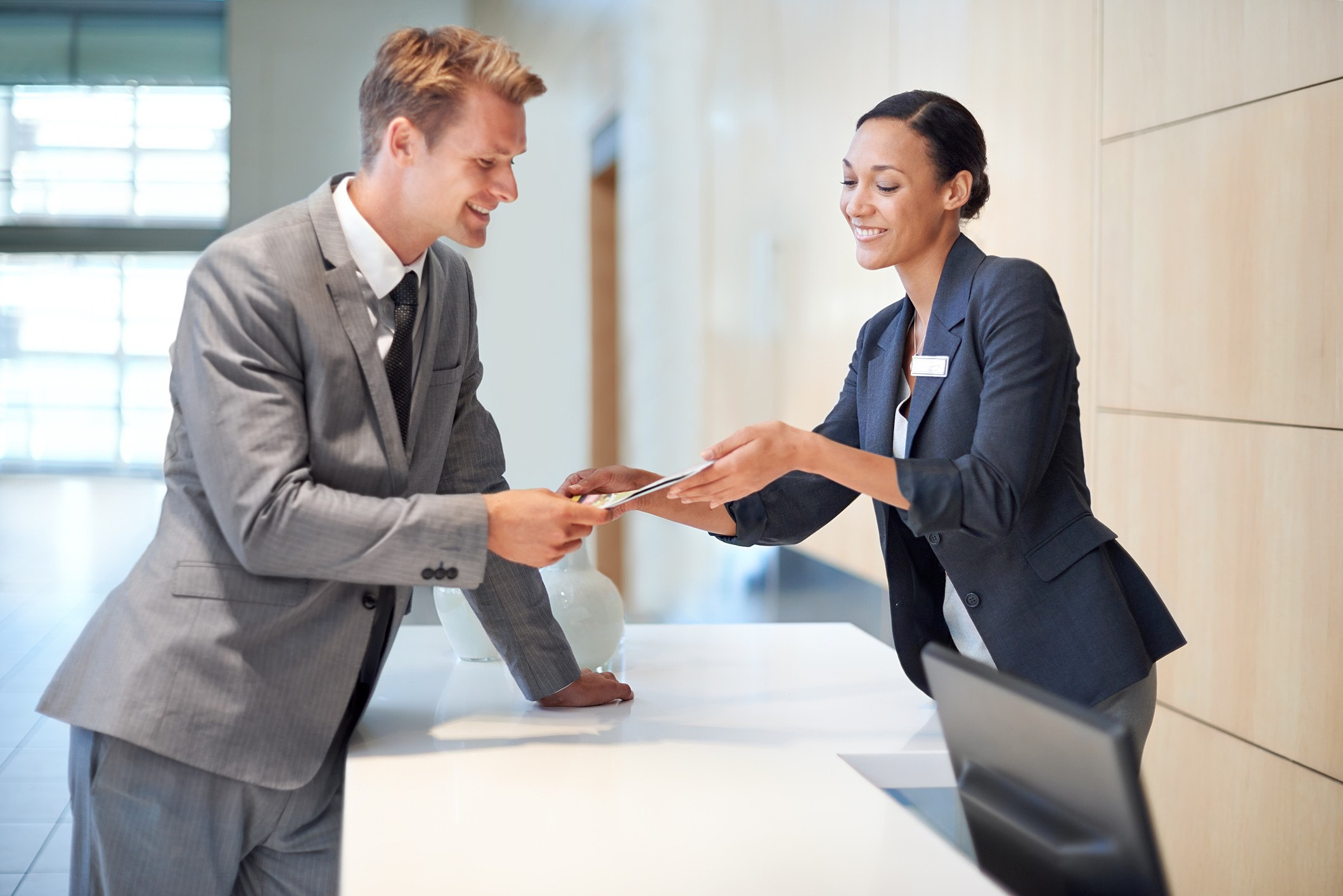 Quais são as vantagens de contratar um serviço de concierge? Entenda aqui