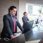 3 dicas essenciais para contratar um porteiro para uma grande empresa